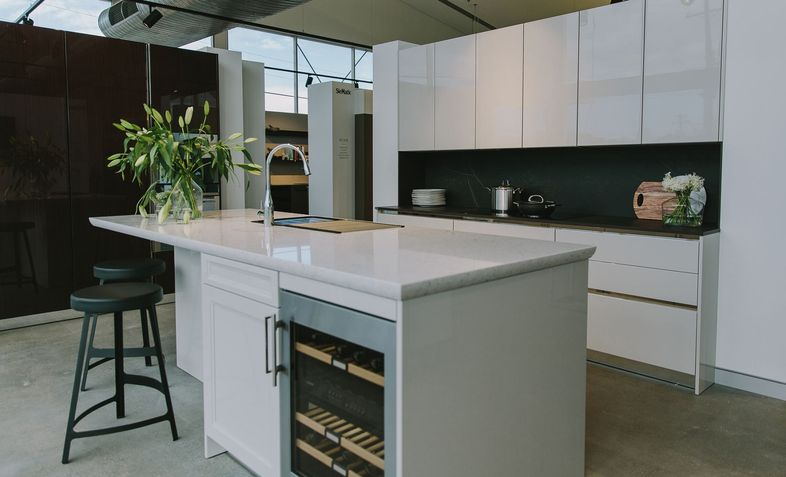Kitchens canberra kitchen designs kitchen renovations for Siematic kitchen design